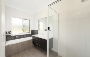 Esplanade home bundaberg bath