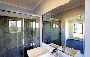 remy court bathroom