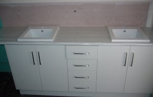 Sergiacomi Court bathroom